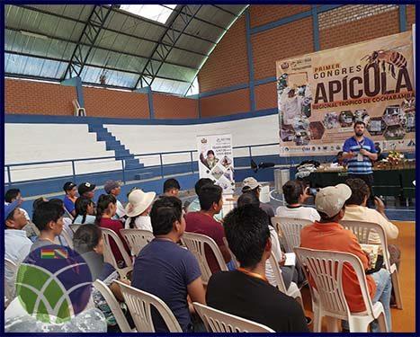 <span id='sec'>Chimoré - Cochabamba:</span><br><span id='prim'>Primer congreso apícola regional del trópico, reúne a más de 200 apicultores</span>