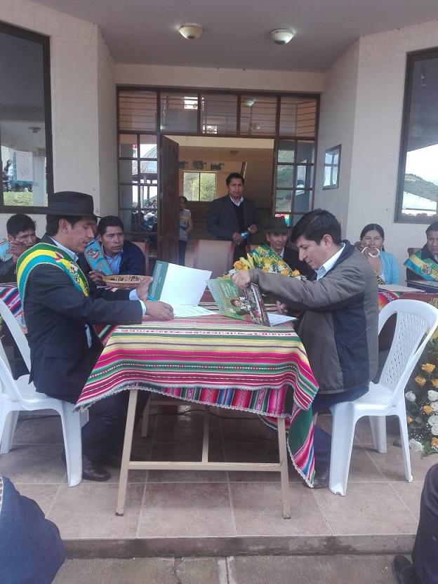 Firma de Convenio para Implementación de Sistema de Riego en Cocapata – Cochabamba