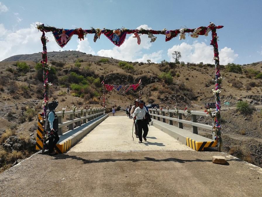 """Entrega del Puente Vehicular """"San Jose"""" en el municipio de Anzaldo"""
